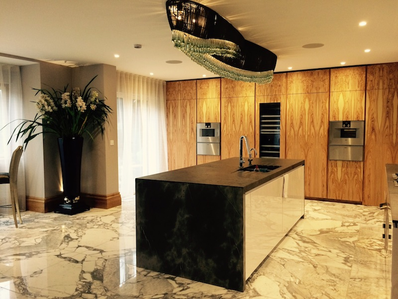 Il legno di olivo per una cucina su misura - Cucine su Misura  TM Italia Cucine
