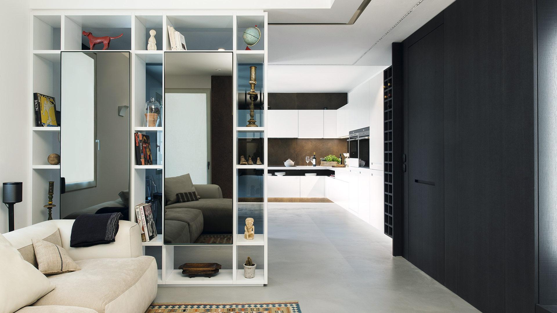Cucina living sospesa open space realizzata su progetto for Cucina open space con pilastri
