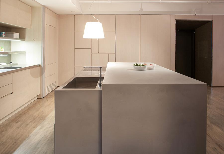 Cucina e living soluzioni su misura per arredare l 39 open space for Cucina open space con pilastri