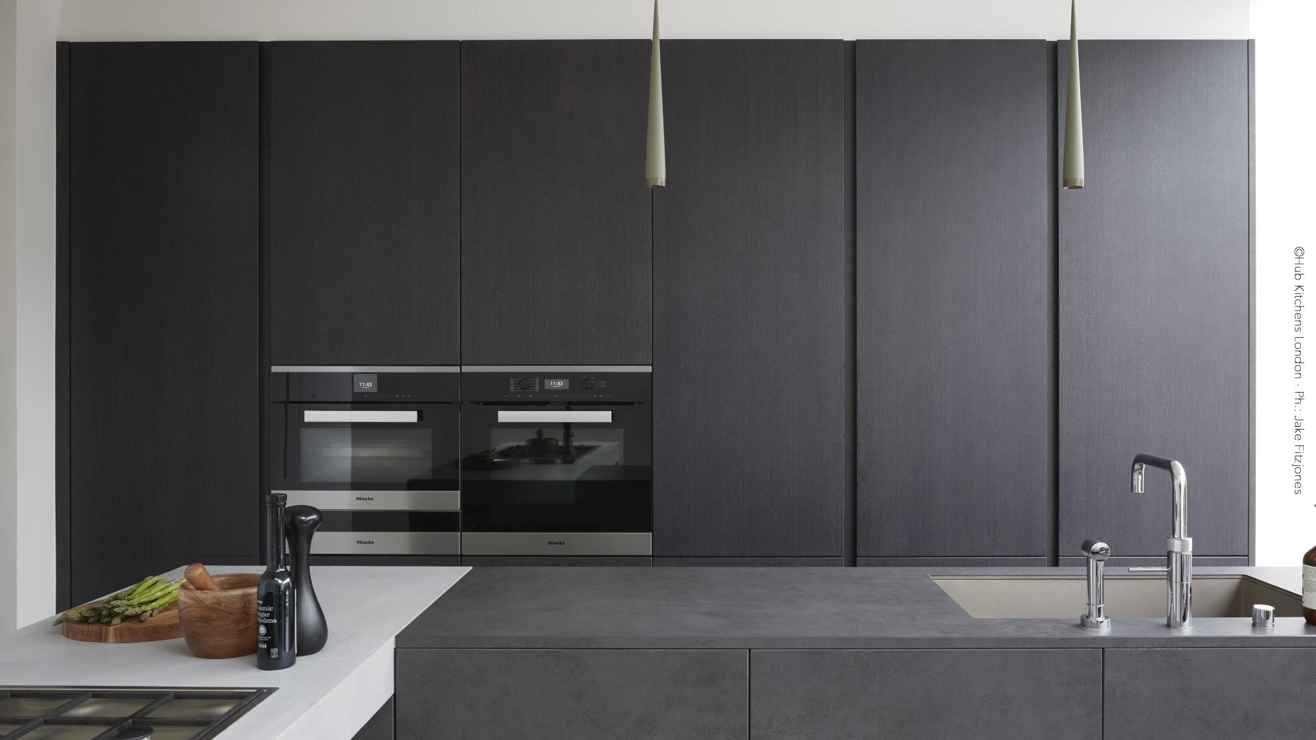 Cucina con isola in legno e gres - 160603_GallerySito_02-1